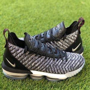 🎯MAKE YOUR OFFER🎯 Nike Lebron XVI